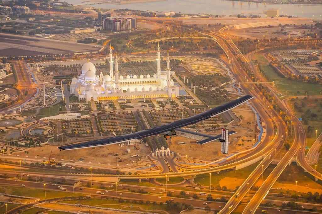 2015_02_26_solar_impulse_2_rtw_first_test_flight_abudhabi_revillard__18_sm